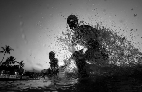 I Nagroda 53. edycji World Press Photo w kategorii: Sports Action Stories, Donald Miralle, Jr., USA, Ironman World Championships, Hawaii